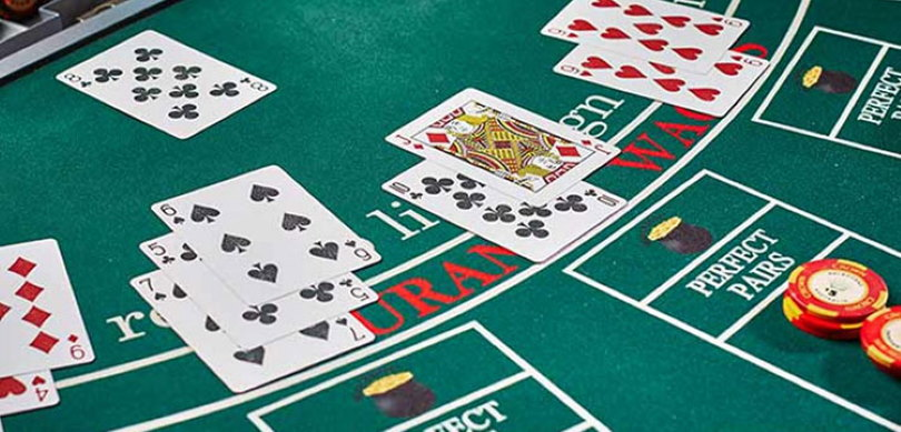 Baccarat and Blackjack Comparison